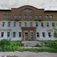 Влада Франківська оголосила дату продажу «комунальної» недобудови лазні із землею на Стефаника, 31
