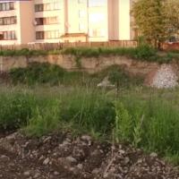 Мешканці села Микитинці кілька років живуть поряд із небезпечним котлованом
