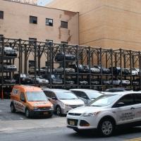 Біля Івано-Франківської облдержадміністрації зведуть багаторівневу парковку на 255 місць
