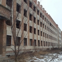 Закинутий Івано-Франківськ: як виглядає будинок, який слугує пристанищем для прогульників та наркоманів. Фото