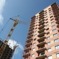 Як українців хочуть змусити доплачувати за квартири в довгобудах