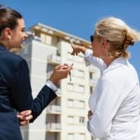 Скільки треба віддати за двокімнатну квартиру у Франківську: Інфографіка