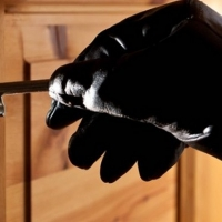 Поліція застерігає франківців як на Великодні свята уберегти свою квартиру від злодіїв