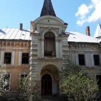 Закинутий палац графа Рея: як на Франківщині руйнується сторічна пам'ятка архітектури. ФОТО
