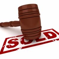 """Міська рада продасть чотири земельні ділянки у районі """"Велмарту"""""""
