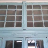 В історичній будівлі Франківська зруйнували автентичні двері ХІХ століття. Відео