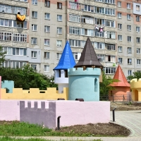 """У Франківську відновили тематичний ігровий майданчик """"Фортеця"""". Фото"""