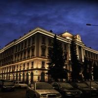 Фасад центрального корпусу медуніверситету обладнають підсвідкою до кінця вересня