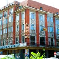 ДАБІ призупинило реконструкцію історичного готелю «Дністер»: власники зняли дах і добудовують поверх