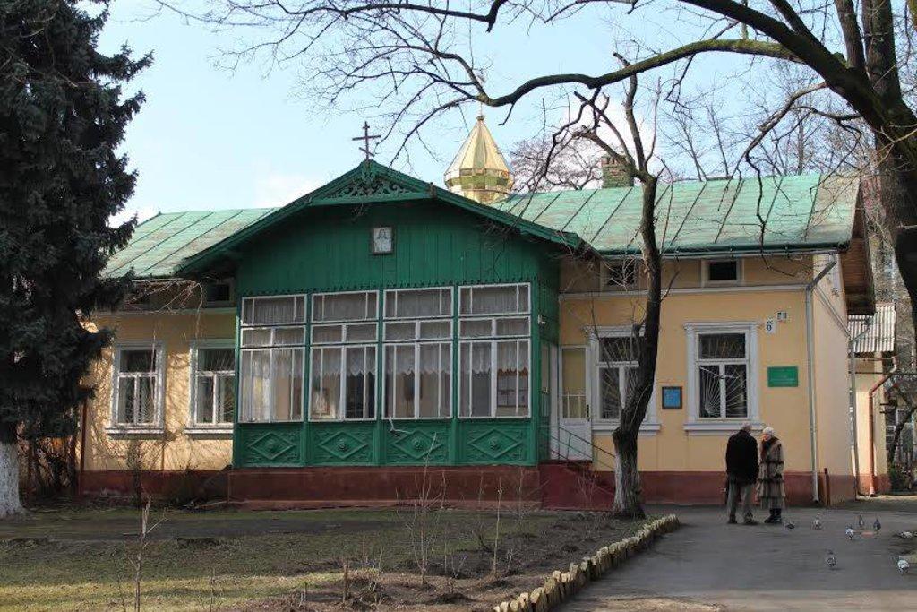 Міськрада таки хоче виселити Московський патріархат з приміщення на Чорновола