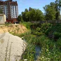 """Держархбудконтроль виявив незаконний котлован на Мазепи,144, який рік тому вирили під ІІ-чергу апартаментів """"На озері"""""""