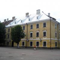 Знайомимось з історичними будівлями Івано-Франківська. Колегіум єзуїтів. Фото