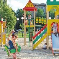 УКБ шукає підрядника який побудує на вулиці Целевича дитячий і спортивний майданчики