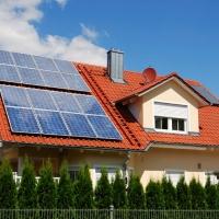 На Франківщині масово встановлюють сонячні електростанії. Відео