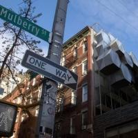 Бездомних в Нью-Йорку пропонують переселити в «бджолині стільники» на будинках