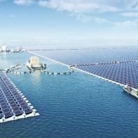 У Китаї запустили найбільшу в світі плавучу сонячну електростанцію
