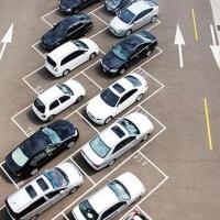 У Франківську мерія хоче зобов'язати забудовників облаштовувати парковки