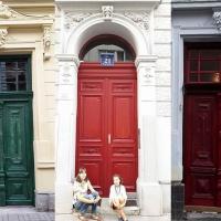 В Івано-Франківську жителі самостійно реставрують старовинні двері