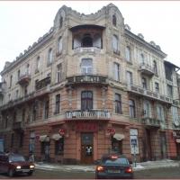 На Чорновола відреставрують будинок, в якому обвалився балкон