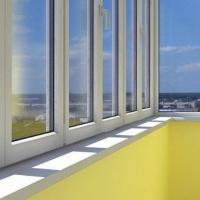 В Україні знімуть заборону на самовільне засклення балконів