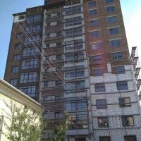 """БК """"Атлант-ІФ"""" із анульованою ліцензією на будівництво продовжує зводити висотку на вул. Лемківській,3"""