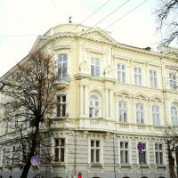 В Івано-Франківську завершили реставрацію історичного будинку на Шевченка. ФОТО