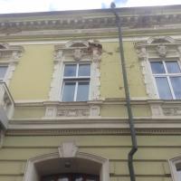 В середмісті Івано-Франківська розсипається історична будівля