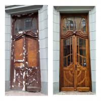 У Франківську ще одні старовинні двері отримали нове життя