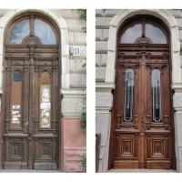 У Франківську збирають кошти на реставрацію старовинних дверей