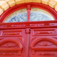 У Франківську ще одні старовинні двері отримали нове життя. ФОТО
