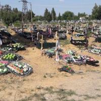 В Чукалівці у людей викупляють городи, щоб розширити кладовище