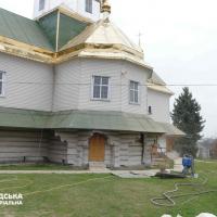 У селі на Прикарпатті реставрують храм