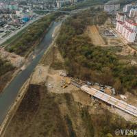 Як виглядає будівництво моста на Пасічну з висоти. ФОТО