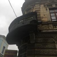В центрі Івано-Франківська знову обвалився балкон