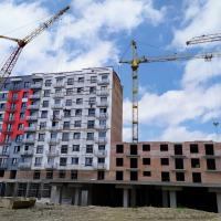Хід будівництва IV черги ЖК «7 Квартал» поблизу парку Шевченка в червні 2019
