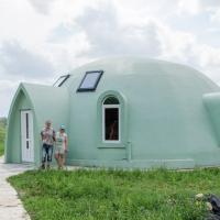 На Прикарпатті завершують спорудження купольного диво-будинку. ФОТО