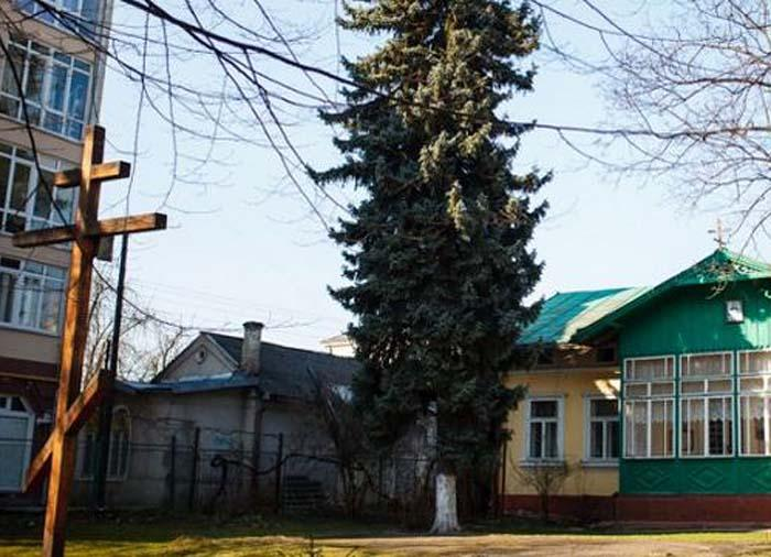 Руслан Марцінків хоче, щоб на місці Російської православної церкви на вулиці Чорновола був дитячий садок