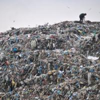 В Україні переробляють тільки 3,2% виробленого сміття