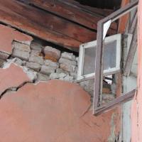 В Івано-Франківську розвалюється житловий будинок ВІДЕО