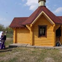 Церкви не буде: суд зобов'язав забрати капличку та хрести зі скандальної ділянки біля міського озера