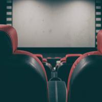 Нові ДБН передбачатимуть місця для людей з інвалідністю у кінотеатрах