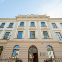 В Івано-Франківську оновлену Католицьку школу-гімназію показали з повітря. ВІДЕО