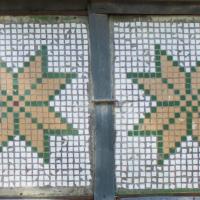 Якими збереглися давні мозаїки на франківських балконах. ФОТО