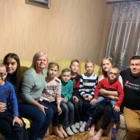 Франківців просять допомогти зібрати кошти на житло багатодітній сім'ї