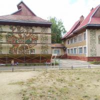 Пригрозили страйками: у Франківську через художній розпис на стінах перестали утеплювати дитячий садок