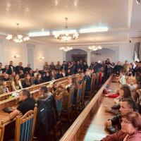 У Франківську 19 учасникам АТО та сім'ї з дітками, хворими на ДЦП, вручили квартири. ФОТО