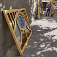 У Франківську відреставрували двоє старовинних дверей з будинку на вулиці Курбаса. ФОТО