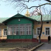 Суд зобов'язав церкву Московського патріархату звільнити комунальне майно на Чорновола