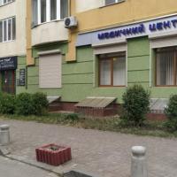 Тротуар чи парковка: у Франківську ОСББ не дають дозвіл облаштувати антипаркувальні стовпці