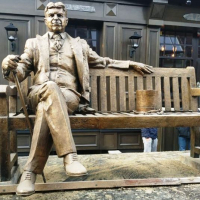 У Франківську встановлюють пам'ятник директору Федерального резерву США Артуру Бернсу